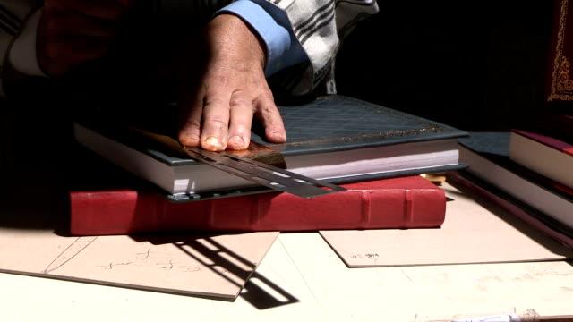 Bookbinder video