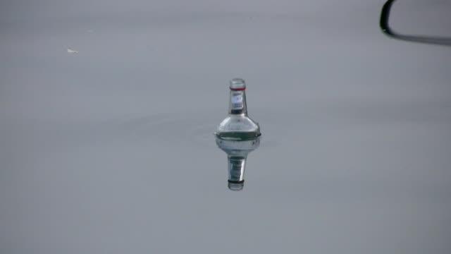 Bottle in the sea video