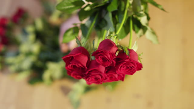 A Bouquet of Red Roses video