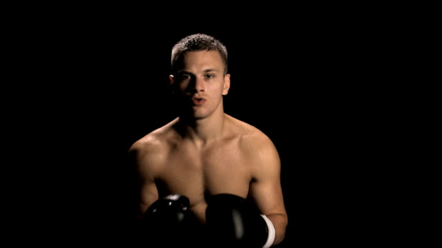 Boxer Puts in Mouthpiece video