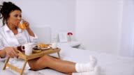 breakfast in bed video