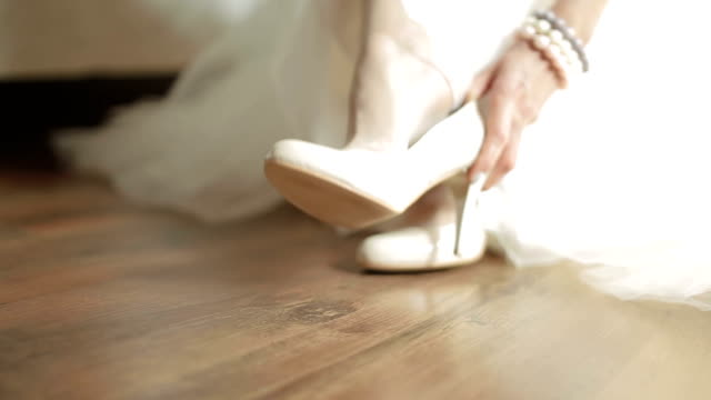 bride shoe elegance video
