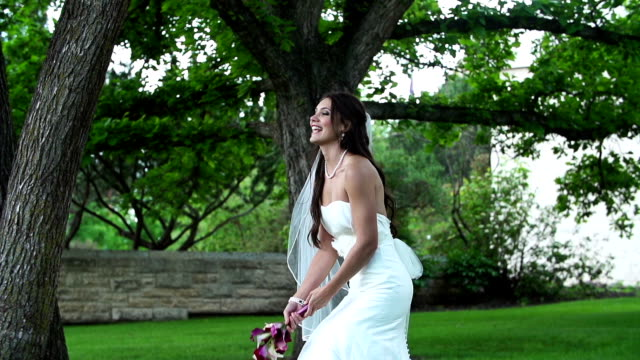 Bride throws the bouquet video