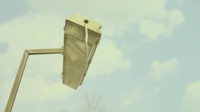 Broken lamp, strong wind, hard wind video