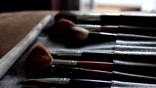 brushes for make-up video