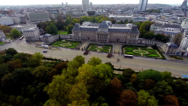 Brussels Royal Palace from above cavalry marching square aerial. Beautiful aerial shot above Europe, culture and landscapes, camera pan dolly in the air. Drone flying above European land. Traveling sightseeing, tourist views of Belgium. video