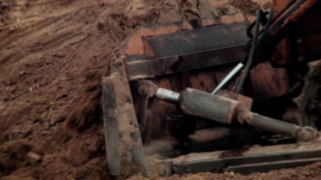 Bulldozer Quarrying video