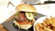 A burger plate revealed - seq video