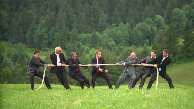 HD: Business Tug Of War video
