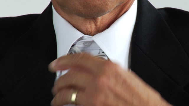 HD: Businessman heating up video