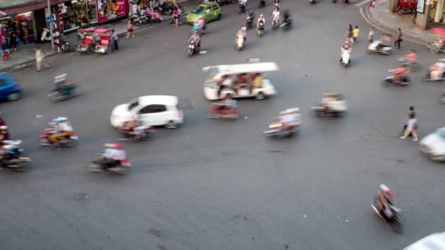Busy and chaotic street in Hanoi Vietnam video