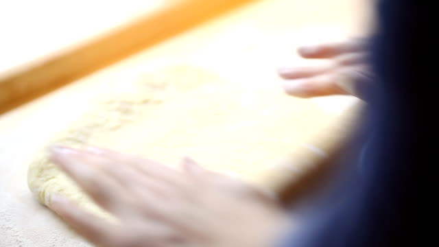 Cakes preparation video