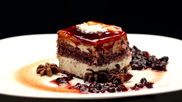 Caramel cake with white chocolate video