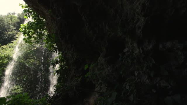 Cascata d'acqua video