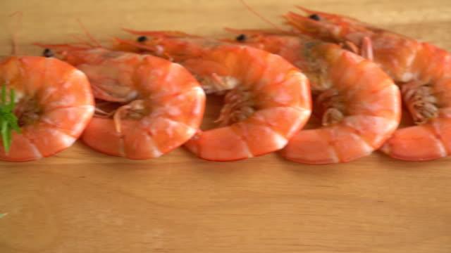 casseroled prawns:shrimps video