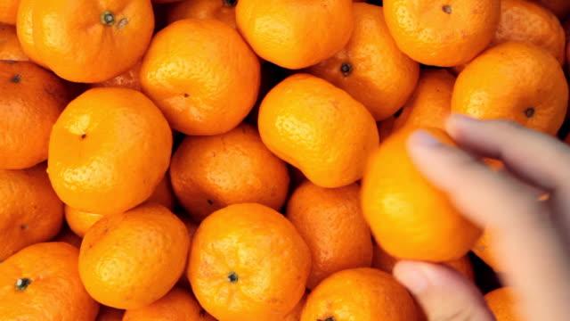 Catch fresh oranges. video