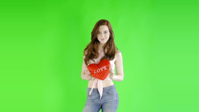 caucasian woman studio greenscreen isolated sexy skinny 20s 4k casual jeans video
