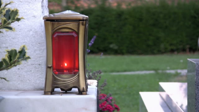 HD: cemetery candle video