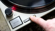 Change turntable speed, from 33 to 45 rpm, and vice versa. video