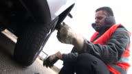 HD: Changing The Tyre video