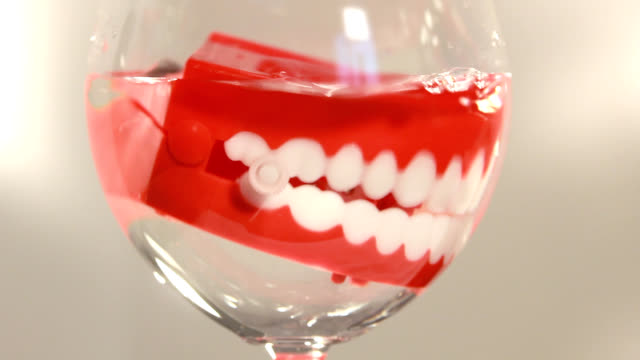 Chattering Teeth in a Glass of water video