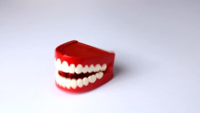Chattering teeth video