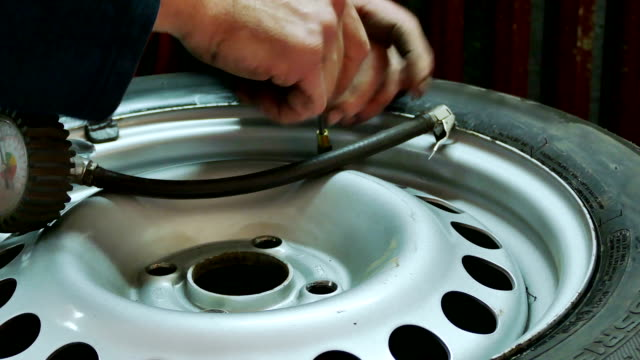 Checking the car tire pressure video