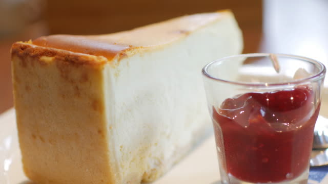 Cheesecake with strawberry sauce video