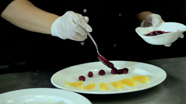 Chef decorate plate sauce video
