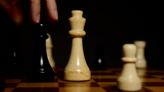 chess queen hit king video