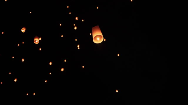 Chiangmai, Thailand. Yee Peng Festival, Loy Krathong celebration with more than a thousand floating lanterns video
