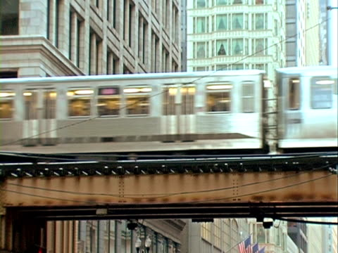 Chicago El Train. Progressive Frames video