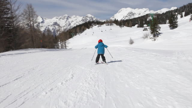HD: Child skiing on skis video