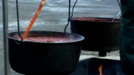 Chili pots video