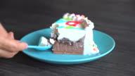 chocolate and vanilla ice-cream cake video