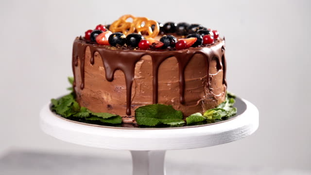 Chocolate cake with summer berries video