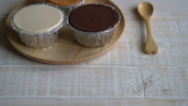 chocolate, vanilla milk and milk tea soft cake video