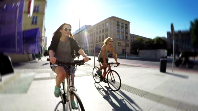 City cycling. video