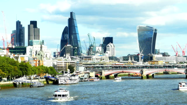 T/L City Of London Viewed From The West (4K/UHD to HD) video