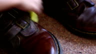 cleaning shoe video