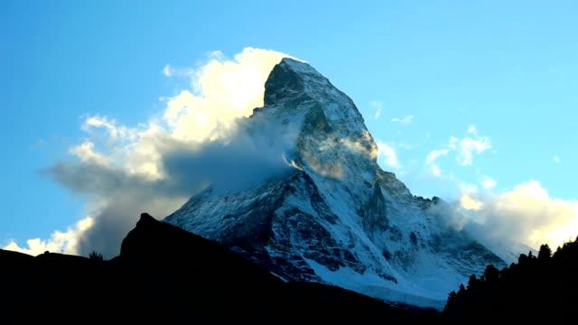 Clouds flowing and Matterhorn video