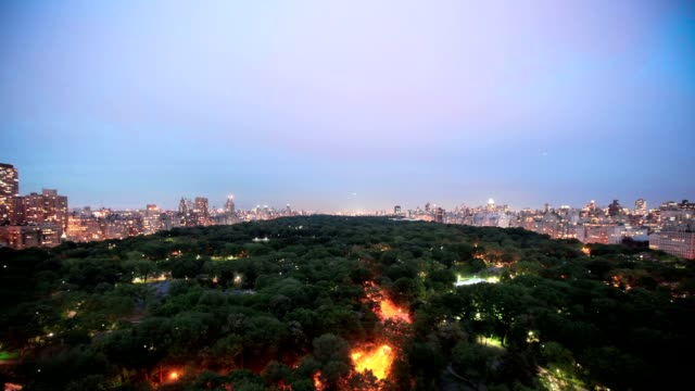 Cloudy night over Central Park - Timelapse video