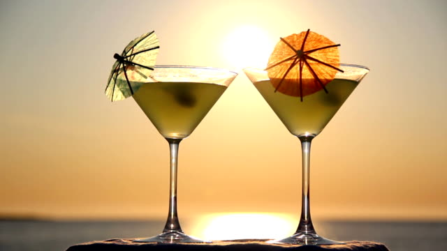 cocktail on the beach video