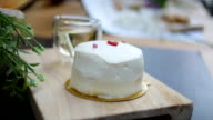Coconut cream cake video