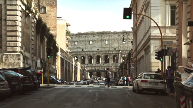 Coliseum from Via dei Serpenti in Rome video