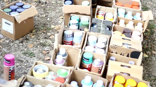 Color spray cans for writing video