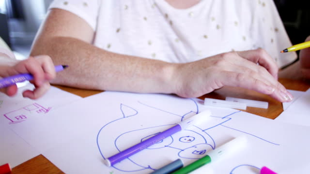 Colouring in with Mum video