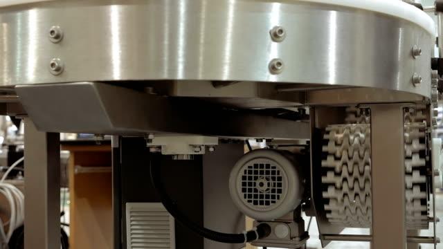 Conveyor product line conveyer belt video