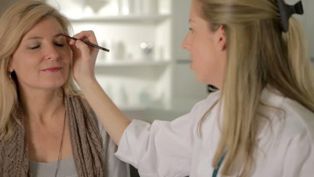 Cosmetic consultation video