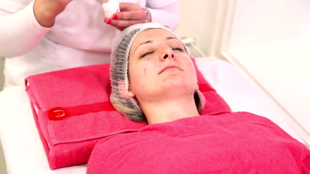 Cosmetic treatment video